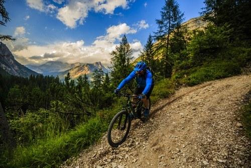 cycle dans la montagne